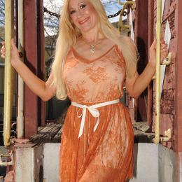 shelbystar-orangedress1